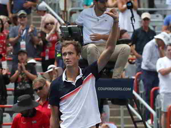 Hai tay vợt người Nga đại thắng tại tứ kết Rogers Cup 2019