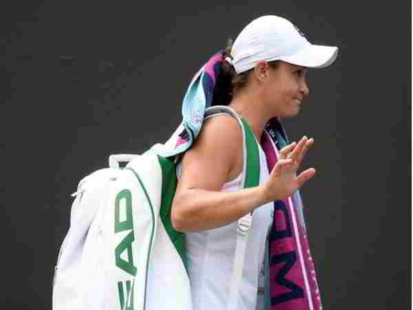 Tay vợt số 1 thế giới Barty bất ngờ bị loại ở vòng 2 Rogers Cup