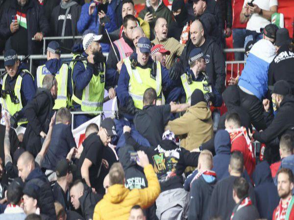 Tin thể thao chiều 13/10: CĐV Hungary đánh nhau với trên sân Wembley
